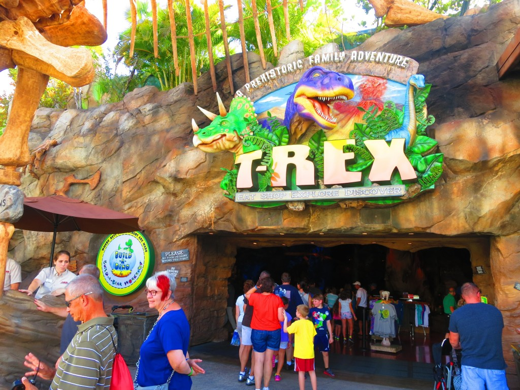T rex disney springs buena vista fl kmb travel blog for Disney dining t rex cafe